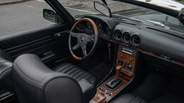 1985 Mercedes-Benz 500 SL LHD For Sale (picture 42 of 175)