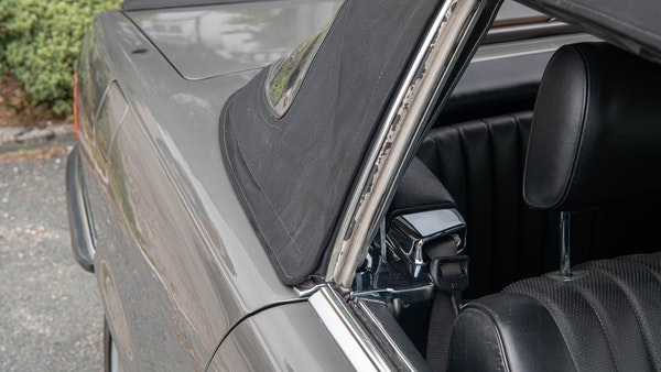 1985 Mercedes-Benz 500 SL LHD For Sale (picture 79 of 175)