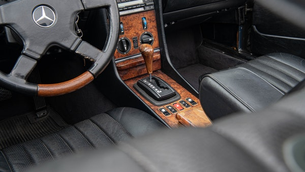 1985 Mercedes-Benz 500 SL LHD For Sale (picture 38 of 175)
