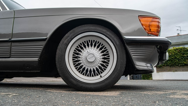 1985 Mercedes-Benz 500 SL LHD For Sale (picture 91 of 175)