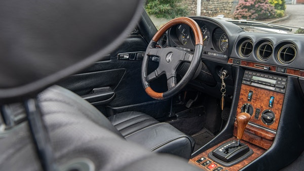 1985 Mercedes-Benz 500 SL LHD For Sale (picture 25 of 175)