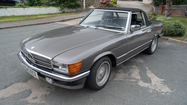 1985 Mercedes-Benz 500 SL LHD For Sale (picture 11 of 175)