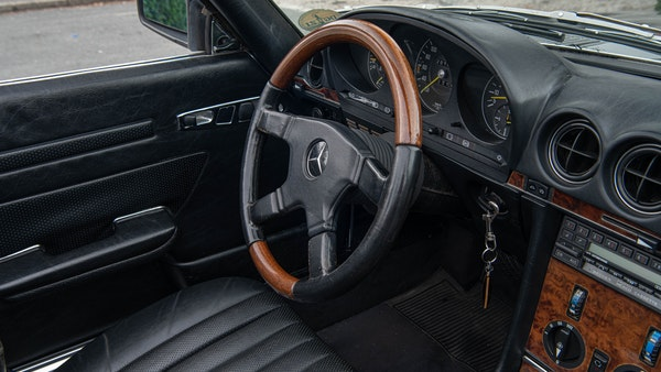 1985 Mercedes-Benz 500 SL LHD For Sale (picture 52 of 175)