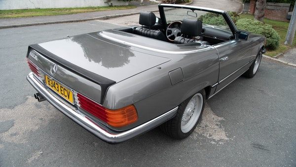 1985 Mercedes-Benz 500 SL LHD For Sale (picture 22 of 175)