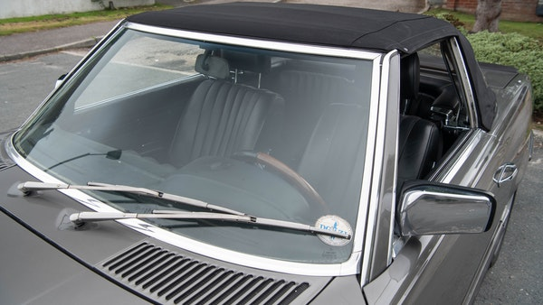 1985 Mercedes-Benz 500 SL LHD For Sale (picture 86 of 175)