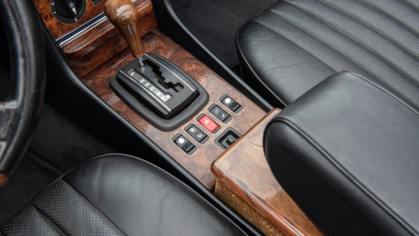 1985 Mercedes-Benz 500 SL LHD For Sale (picture 36 of 175)