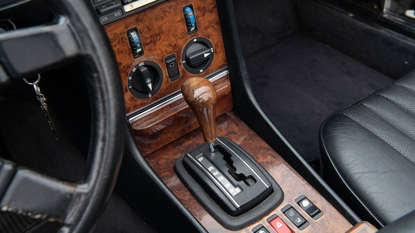 1985 Mercedes-Benz 500 SL LHD For Sale (picture 35 of 175)