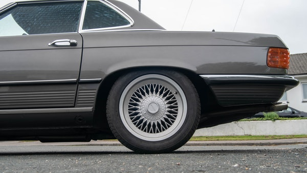 1985 Mercedes-Benz 500 SL LHD For Sale (picture 94 of 175)