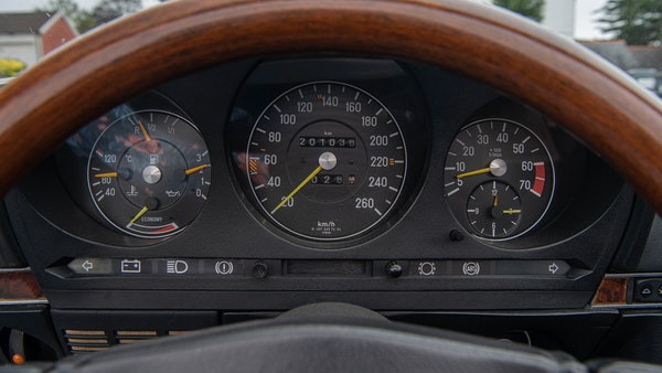 1985 Mercedes-Benz 500 SL LHD For Sale (picture 39 of 175)