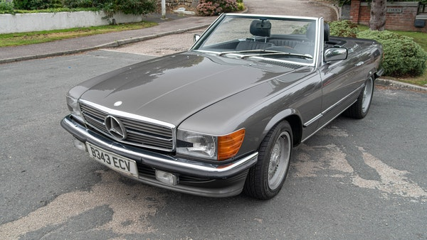 1985 Mercedes-Benz 500 SL LHD For Sale (picture 13 of 175)