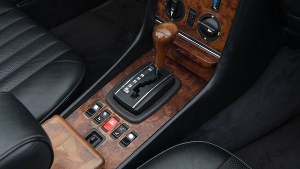 1985 Mercedes-Benz 500 SL LHD For Sale (picture 32 of 175)