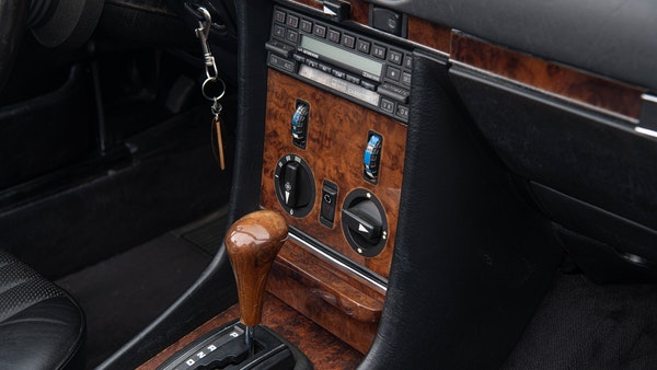 1985 Mercedes-Benz 500 SL LHD For Sale (picture 41 of 175)