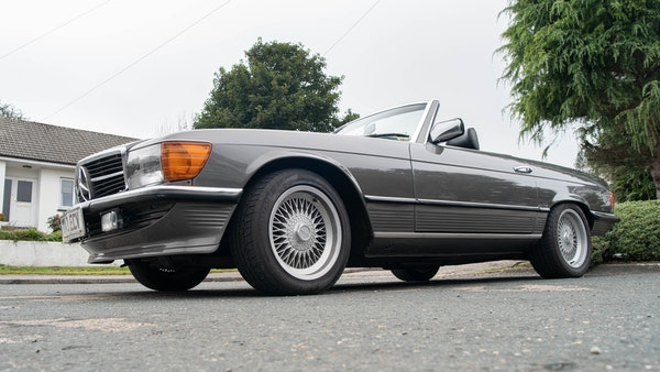 1985 Mercedes-Benz 500 SL LHD For Sale (picture 6 of 175)