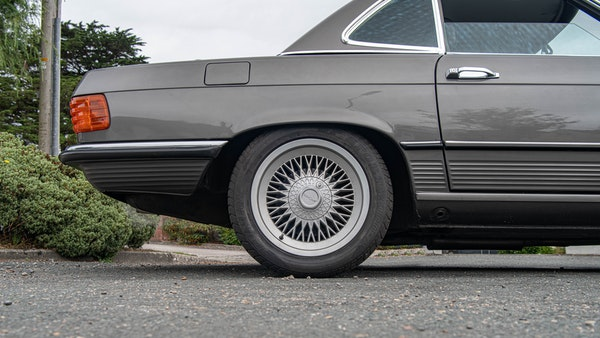 1985 Mercedes-Benz 500 SL LHD For Sale (picture 90 of 175)
