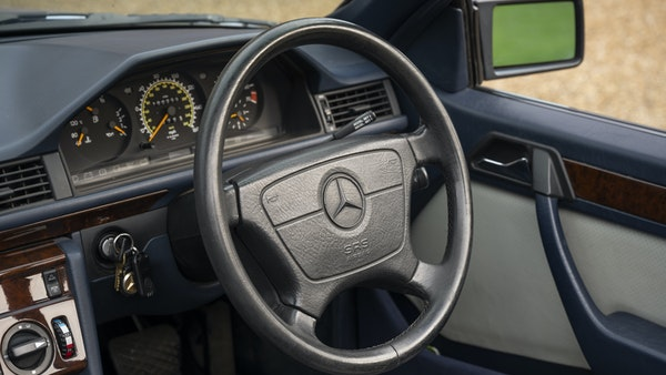 1993 Mercedes-Benz E320 Cabriolet For Sale (picture 21 of 156)