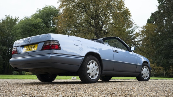 1993 Mercedes-Benz E320 Cabriolet For Sale (picture 7 of 156)