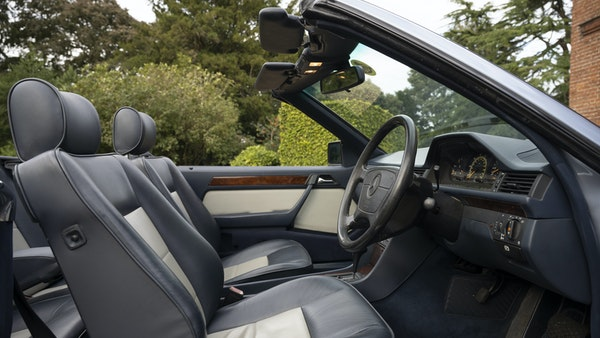 1993 Mercedes-Benz E320 Cabriolet For Sale (picture 27 of 156)