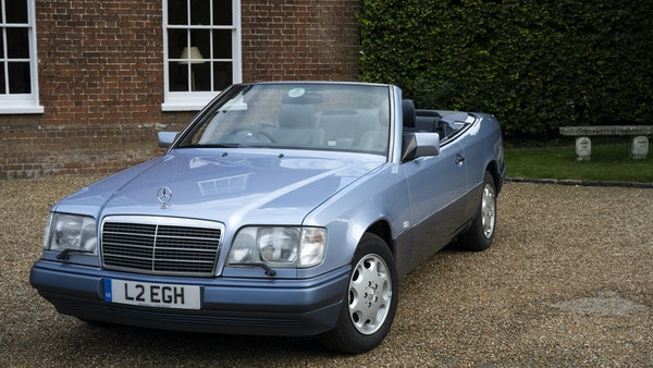 1993 Mercedes-Benz E320 Cabriolet For Sale (picture 1 of 156)