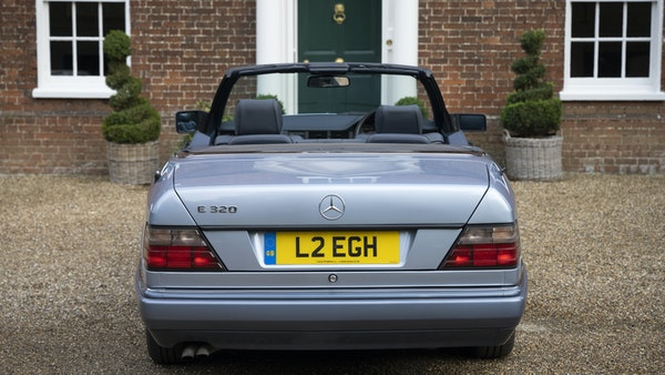 1993 Mercedes-Benz E320 Cabriolet For Sale (picture 5 of 156)