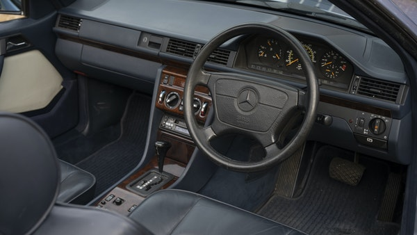1993 Mercedes-Benz E320 Cabriolet For Sale (picture 22 of 156)