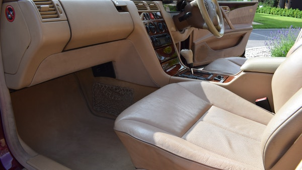 RESERVE LOWERED -1999 Mercedes-Benz E320 CDi Elegance For Sale (picture 25 of 105)