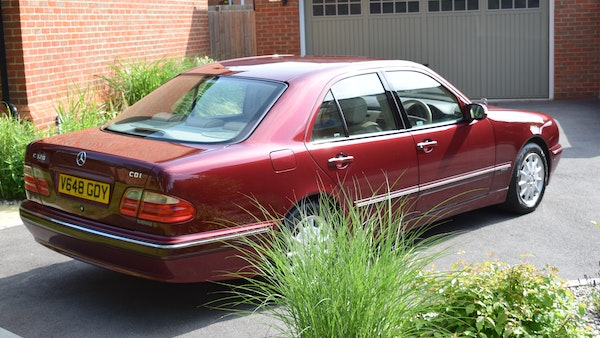 RESERVE LOWERED -1999 Mercedes-Benz E320 CDi Elegance For Sale (picture 10 of 105)