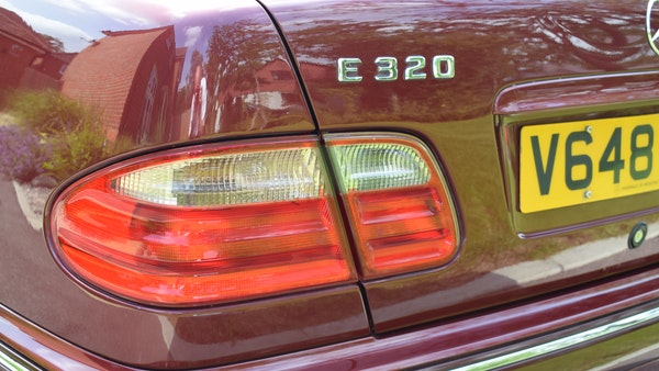RESERVE LOWERED -1999 Mercedes-Benz E320 CDi Elegance For Sale (picture 61 of 105)