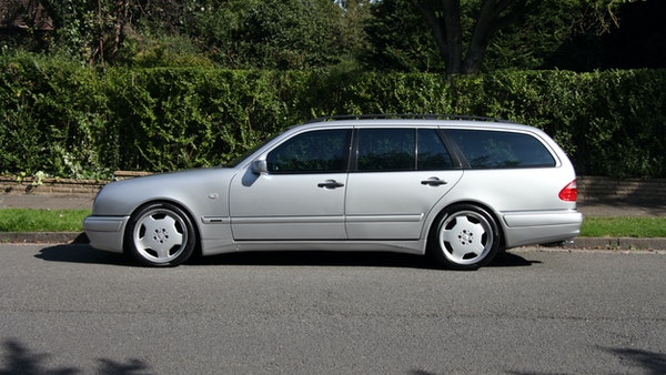 1998 Mercedes-Benz E55 AMG Estate For Sale (picture 14 of 175)
