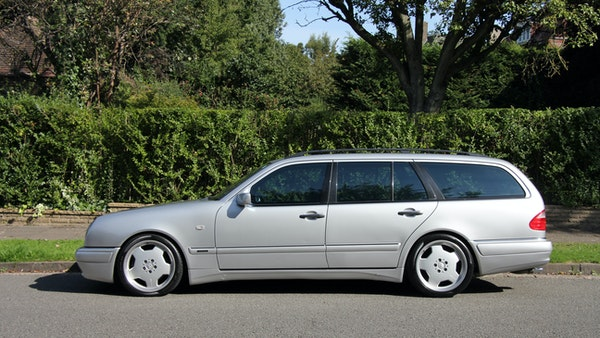 1998 Mercedes-Benz E55 AMG Estate For Sale (picture 13 of 175)
