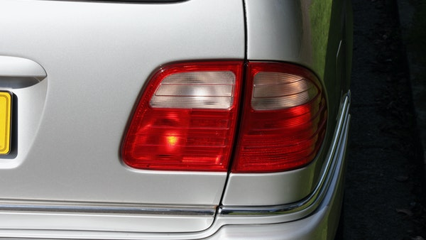 1998 Mercedes-Benz E55 AMG Estate For Sale (picture 89 of 175)
