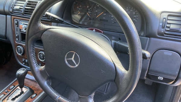 2005 Mercedes-Benz ML350 For Sale (picture 20 of 252)