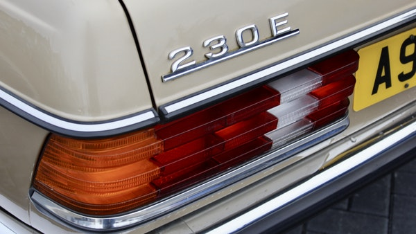 1984 Mercedes W123 230 E For Sale (picture 78 of 111)