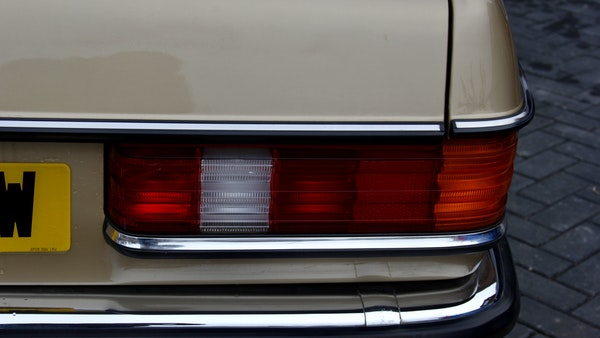 1984 Mercedes W123 230 E For Sale (picture 72 of 111)