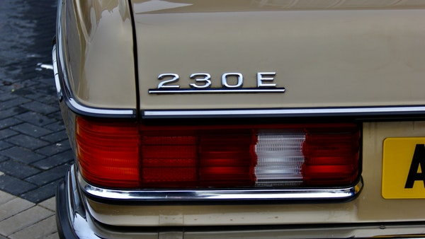 1984 Mercedes W123 230 E For Sale (picture 79 of 111)