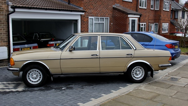 1984 Mercedes W123 230 E For Sale (picture 21 of 111)