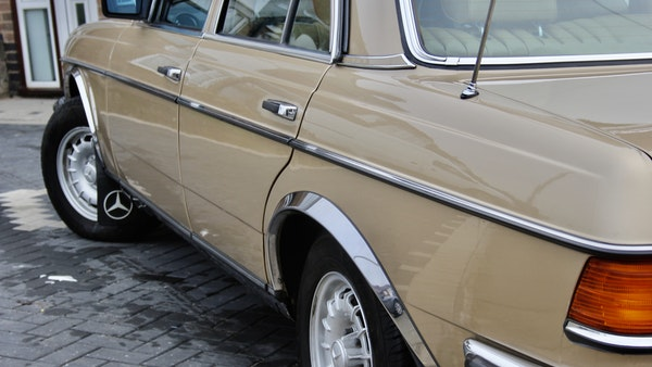 1984 Mercedes W123 230 E For Sale (picture 70 of 111)