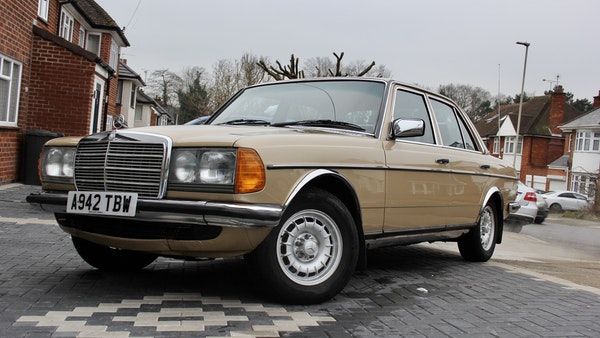 1984 Mercedes W123 230 E For Sale (picture 18 of 111)