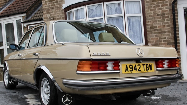 1984 Mercedes W123 230 E For Sale (picture 9 of 111)
