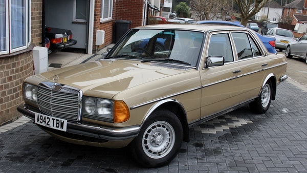 1984 Mercedes W123 230 E For Sale (picture 1 of 111)