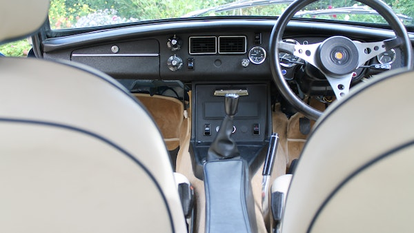 1973 MGB GT V8 For Sale (picture 43 of 142)