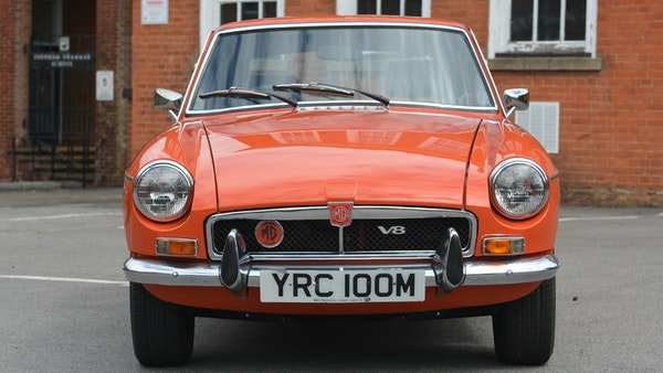 1974 MGB GT V8 For Sale (picture 1 of 170)