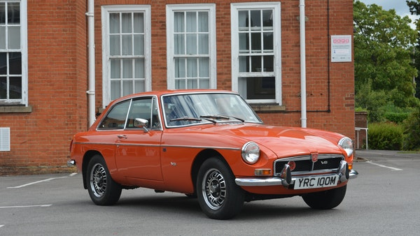 1974 MGB GT V8 For Sale (picture 3 of 170)