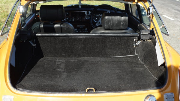 NO RESERVE! - 1972 MGB GT For Sale (picture 44 of 163)