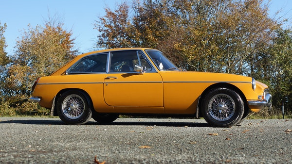 NO RESERVE! - 1972 MGB GT For Sale (picture 16 of 163)