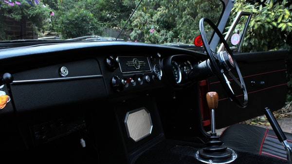 1965 MGB Roadster For Sale (picture 32 of 121)
