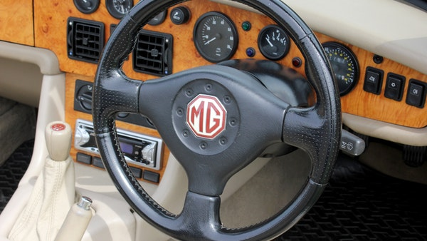 1994 MG RV8 For Sale (picture 22 of 105)