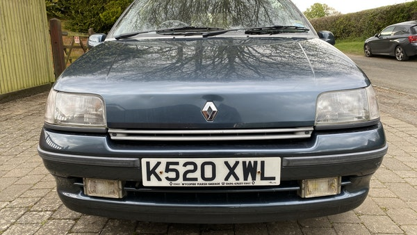 NO RESERVE! - 1993 Renault Clio Baccara For Sale (picture 4 of 221)