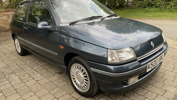 NO RESERVE! - 1993 Renault Clio Baccara For Sale (picture 1 of 221)