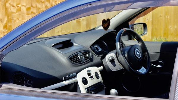 NO RESERVE! 2006 RenaultSport 197 Clio For Sale (picture 40 of 76)