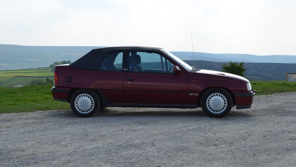 RESERVE LOWERED - 1991 Vauxhall Astra GTE Bertone For Sale (picture 11 of 87)